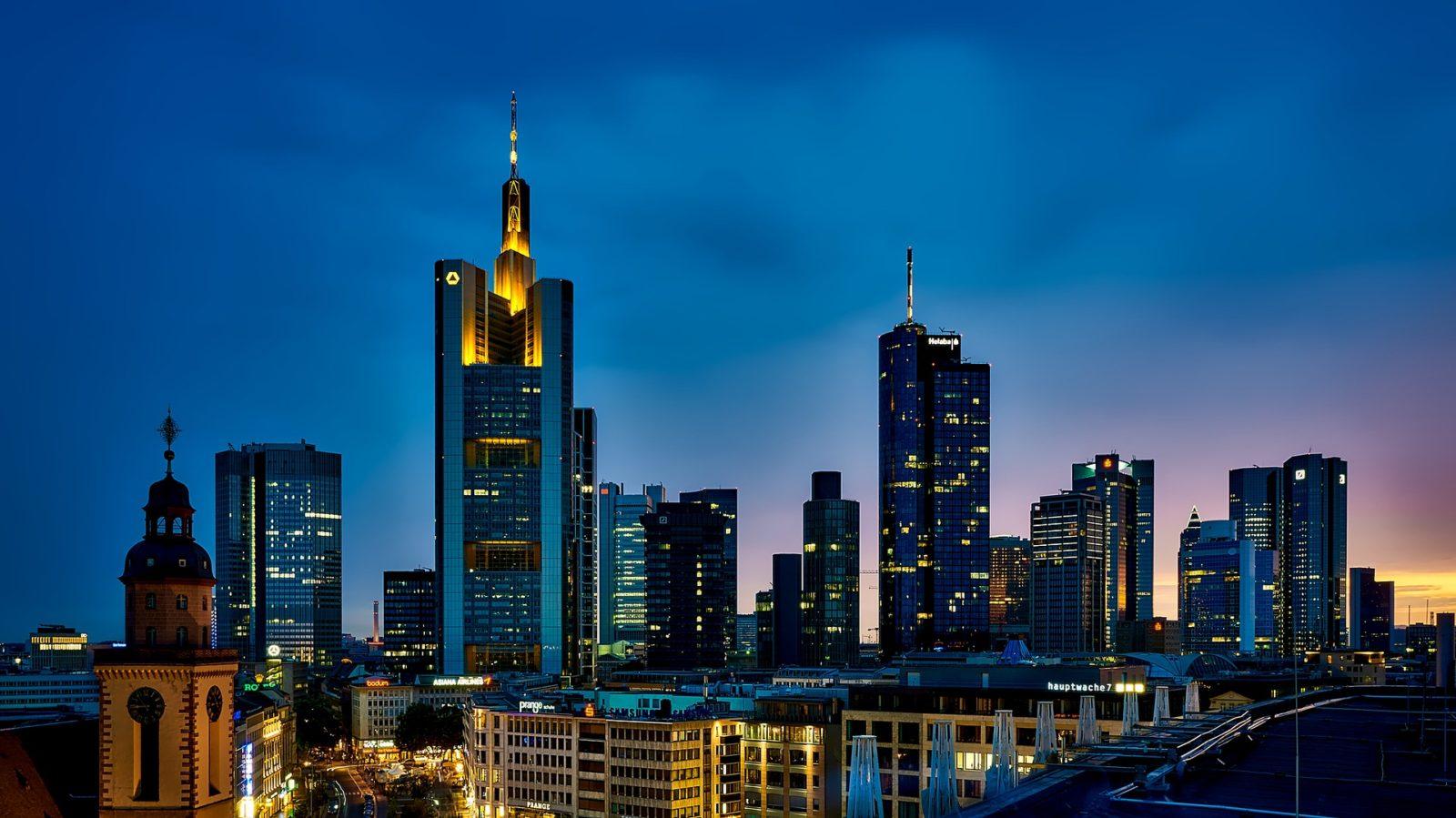 Skyline Shuttle - Flughafentransfer - Shuttleservice Frankfurt am Main